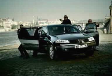 13_Renault_takes
