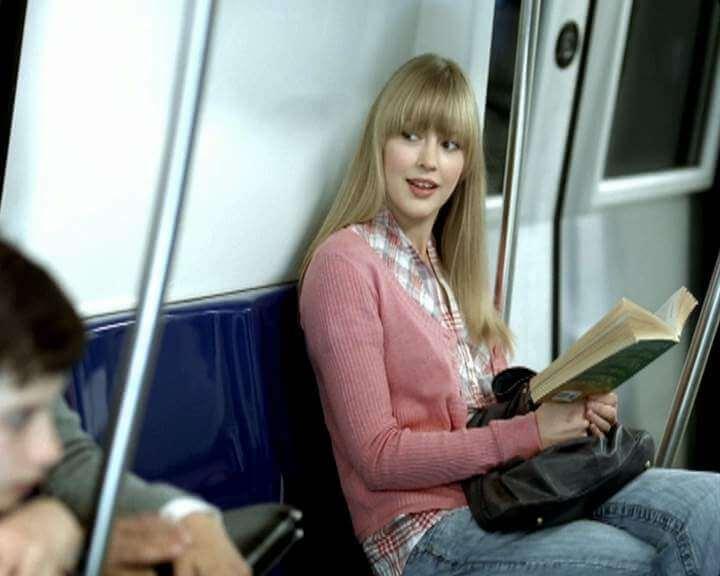 24_Orange_metro_love